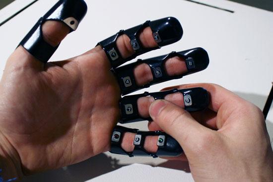 موبایل دستکشی